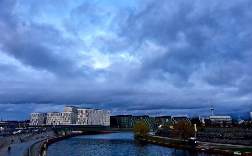 Nebo nad Berlinom